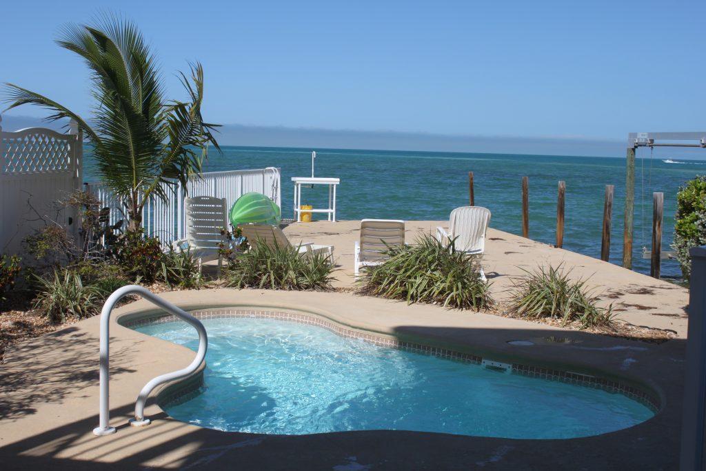 640 12th St Gulf, Marathon poolground2